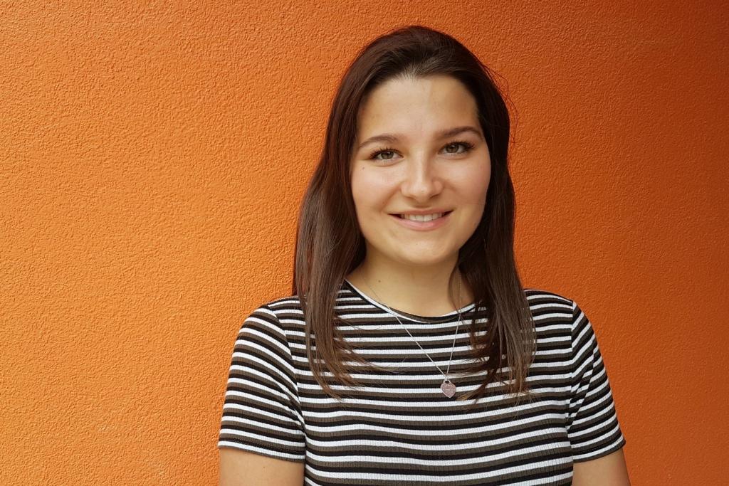 Das Bild zeigt Denise Sikule, eine Studentin der WU Wien.