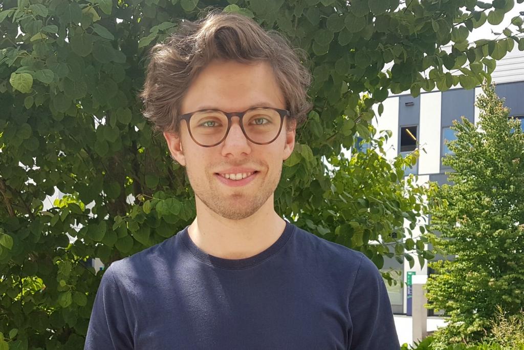Das Foto zeigt Max Lassman, Student der WU Wien
