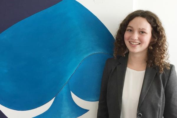 Das Bild zeigt WU Studentin Anja Pichler